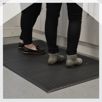 Air Step Ribbed Cushion Anti-Fatigue Vinyl Cushioned Mats